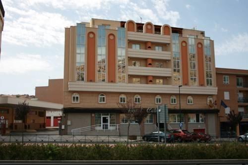 fachada hotel cabañas